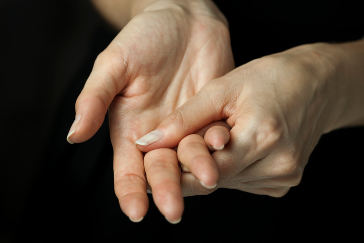 Cracking Your Fingers Causes Arthritis - Spectrum Orthopaedics