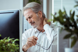 Habits That Cause Neck Pain - Spectrum Orthopaedics
