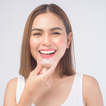 woman trying Invisalign Teeth Straightening