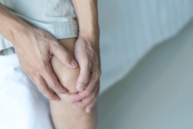 knee pain after acl tear