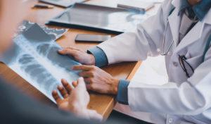 Doctors examining an xray